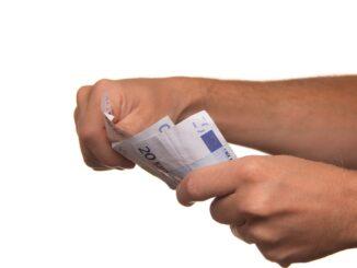 Geschäftskonto bringt selbstständigen nicht finanzielle Vorteile.