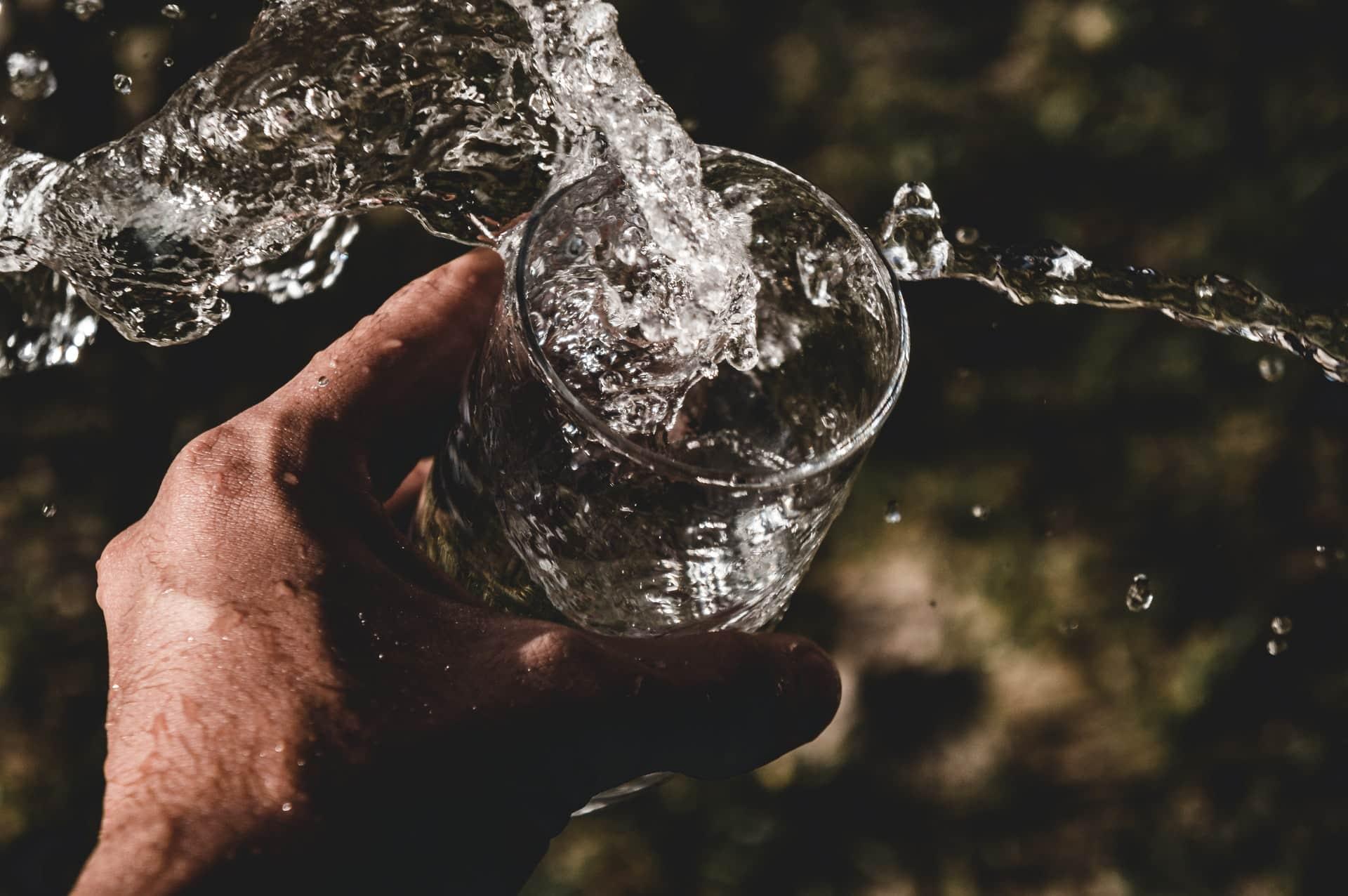 Bastelkleber Selbst Herstellen : mineralwasser selbst herstellen ein mehrfach ~ Watch28wear.com Haus und Dekorationen