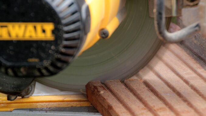 Holzbearbeitung - Holz sägen wie Profis